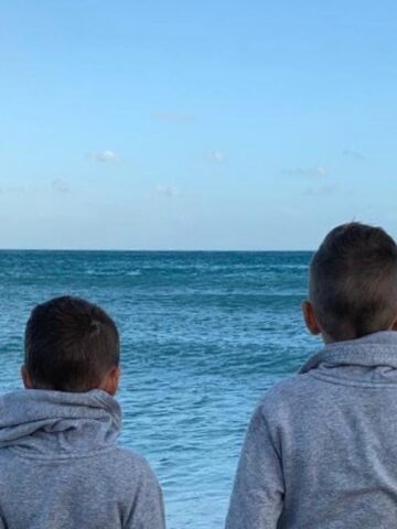 boys-by-water