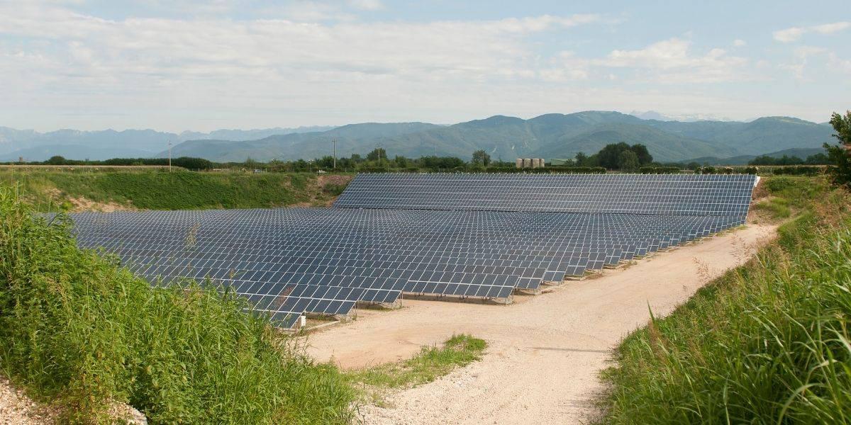 A community solar farm